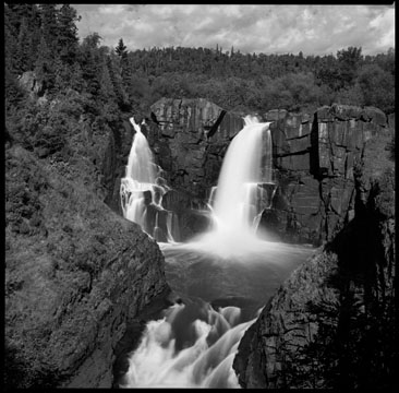 photograph of high falls waterfall in minnesota